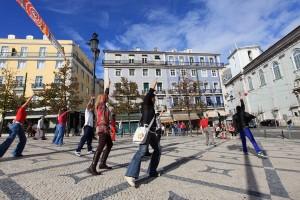 Lisbonne danse rue personnage groupe Portugal ville