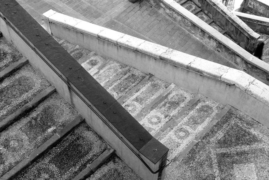 escalier photographie noir et blanc graphique