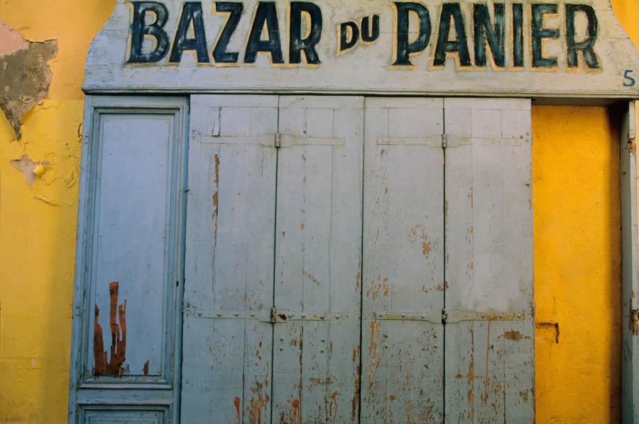 Le Panier commerce ancien quartier Marseille