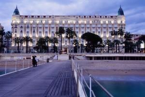 Cannes Carlton plage palace nuit Noël