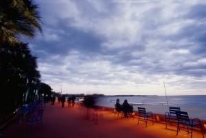Cannes Croisette photo nuit ville Côte d'azur