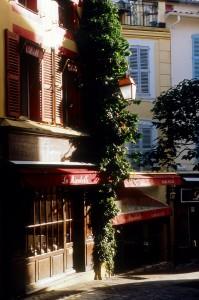 Cannes Le Suquet commerce restaurant