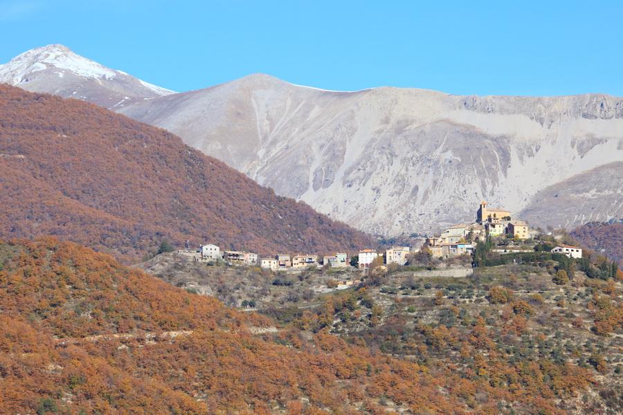 Village perché de Castelet les Sausses