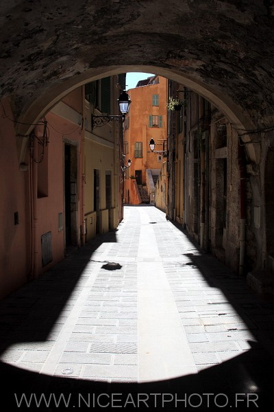 Menton vieille ville habitat rue