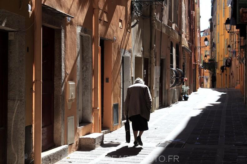Rue Menton tourisme vieille ville