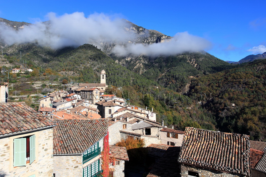 Village Massoins Alpes-Maritimes