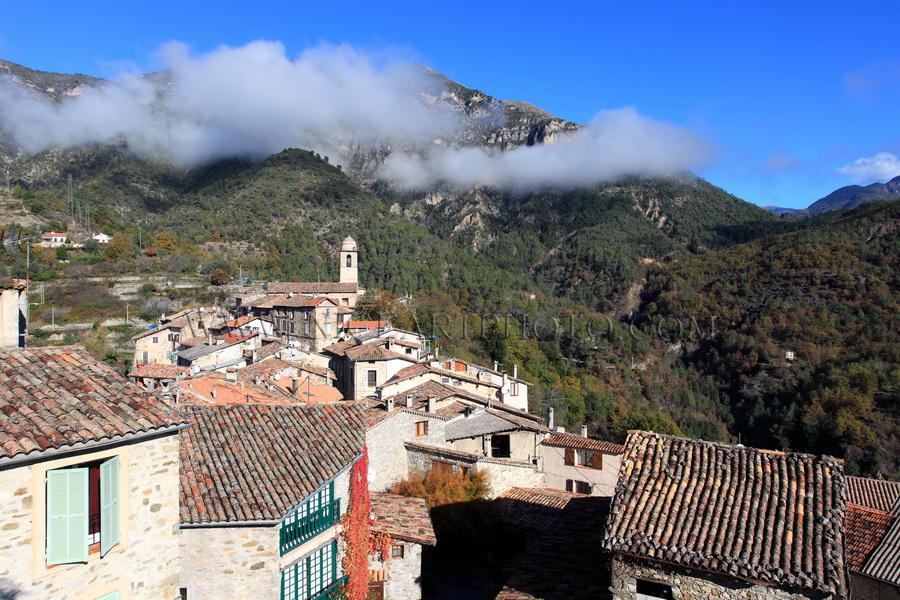 Village Massoins Alpes-Maritimes