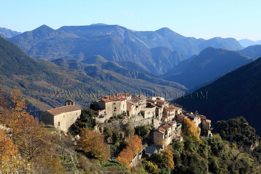 Village Bairols Alpes-Maritimes