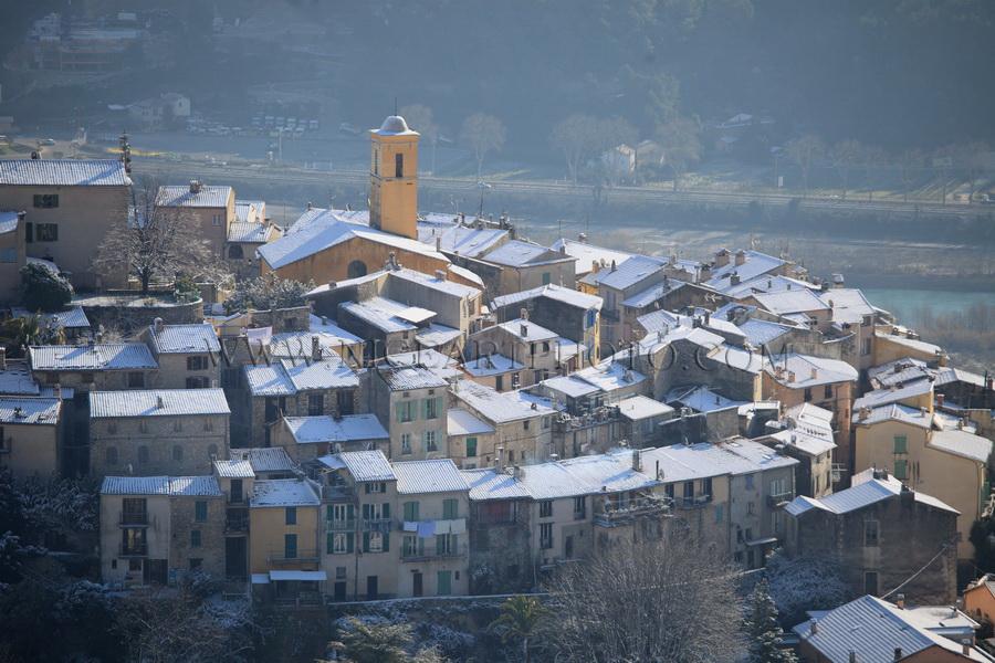 Gattiieres village