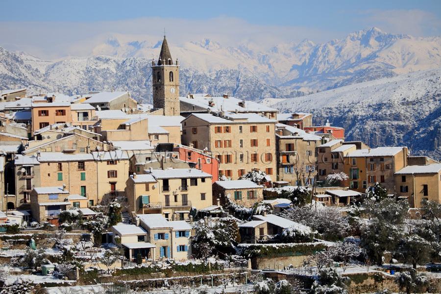 Le Broc village