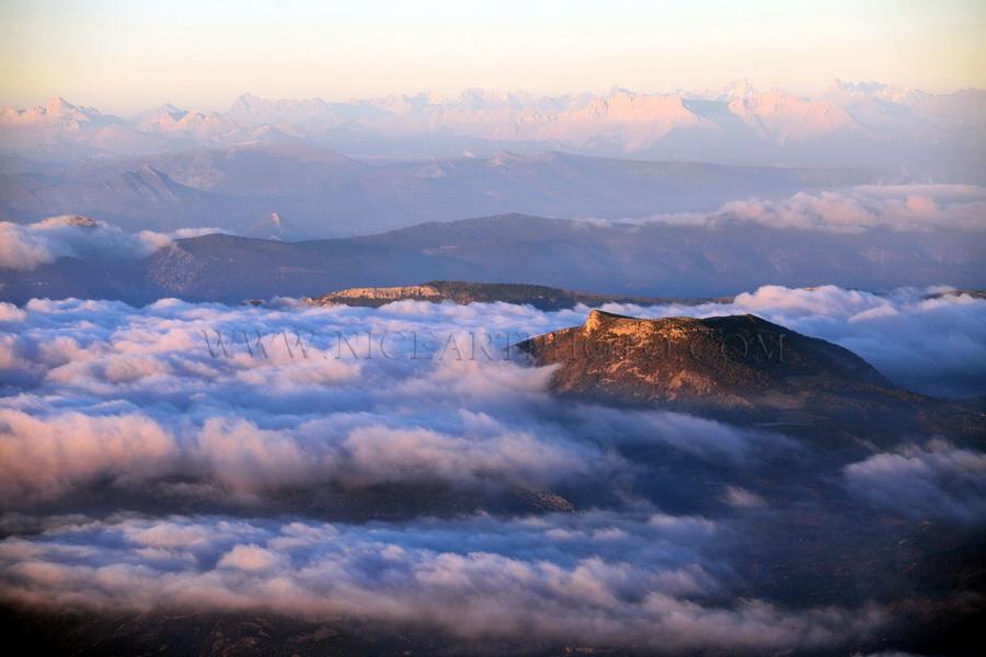 paysage montagne sommet nuage