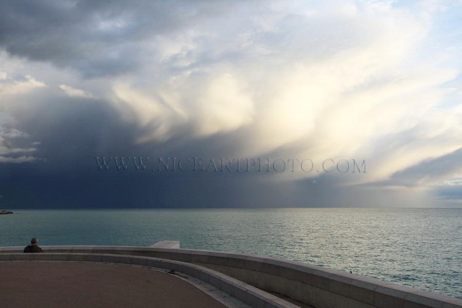 ciel d'orage Nice, Rauba Capeu