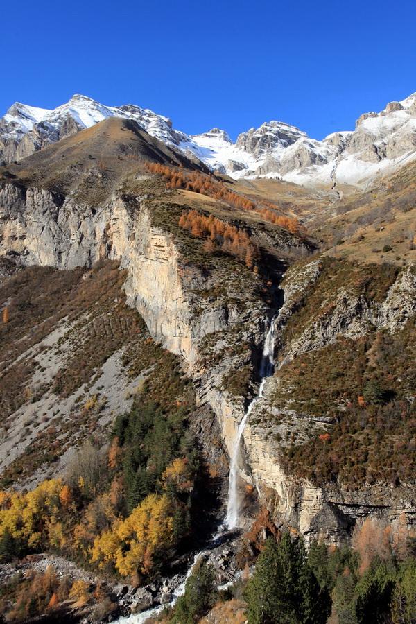 vallee du haut var route du col de la Cayolle