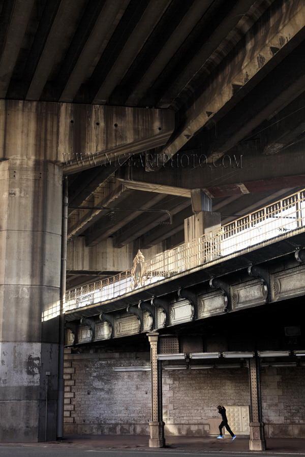 Nice-voie-rapide-ville-pont