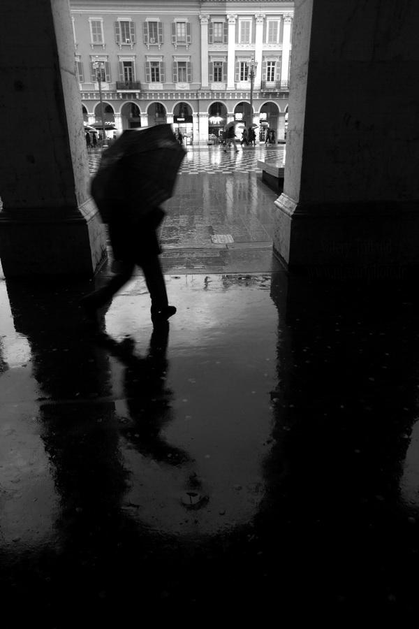 place Massena, pluie, Nice