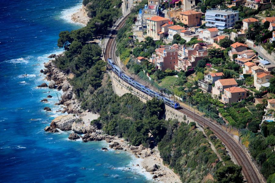 ligne ferroviaire cotière, Roquebrune Cap Martin, Alpes-MAritimes, Côte d'Azur