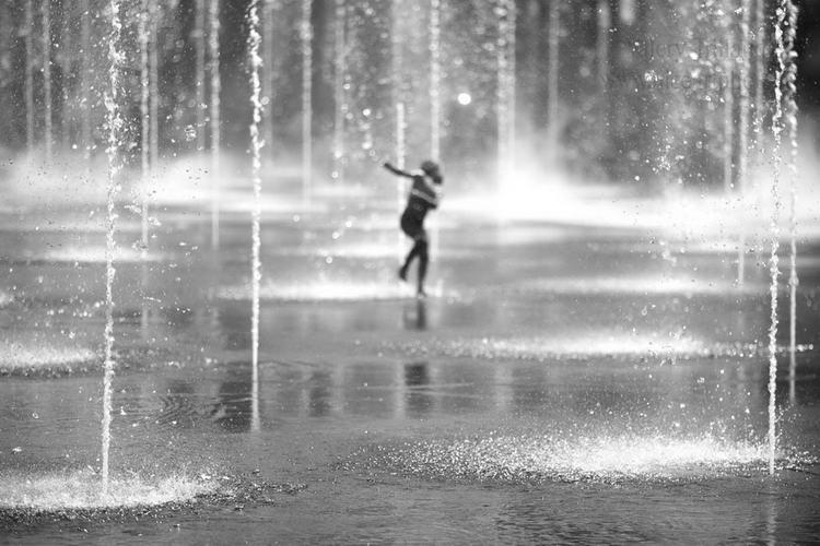 Photographie d'art, danser avec l'eau//www.niceartphoto.fr