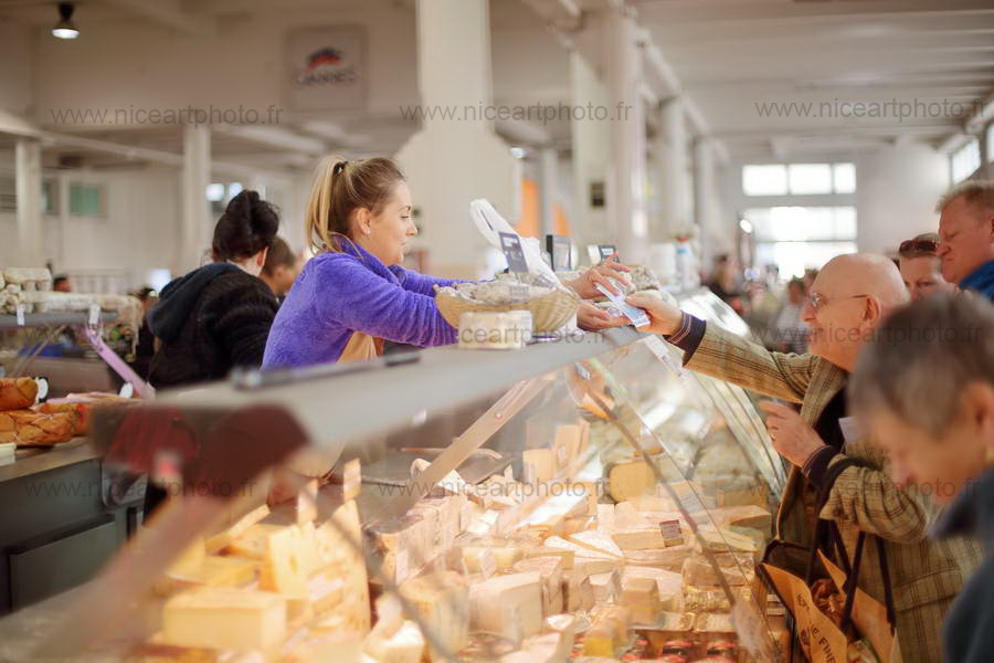 Fromager du marché //V.Trillaud/www.niceartphoto.fr