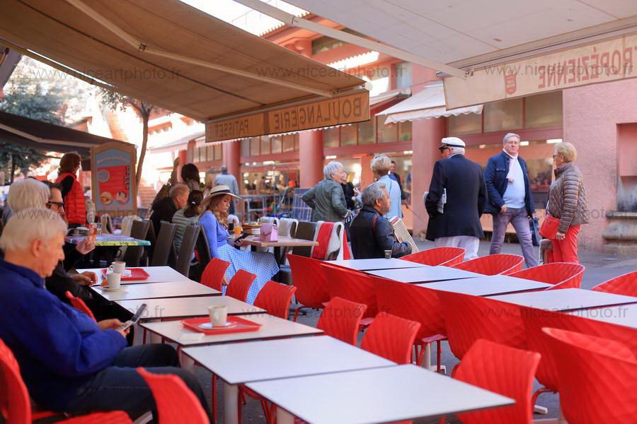 Commerce autour du marché Forville, Cannes//V.Trillaud//www.niceartphoto.fr