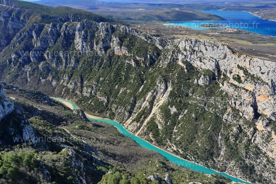 Le Verdon : telle une saignée turquoise creusée dans la roche